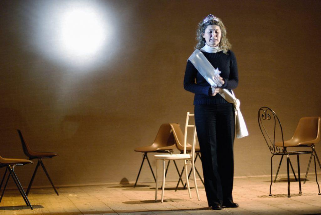 cecilia allo spettacolo lost and found nel monologo della regina di bellezza